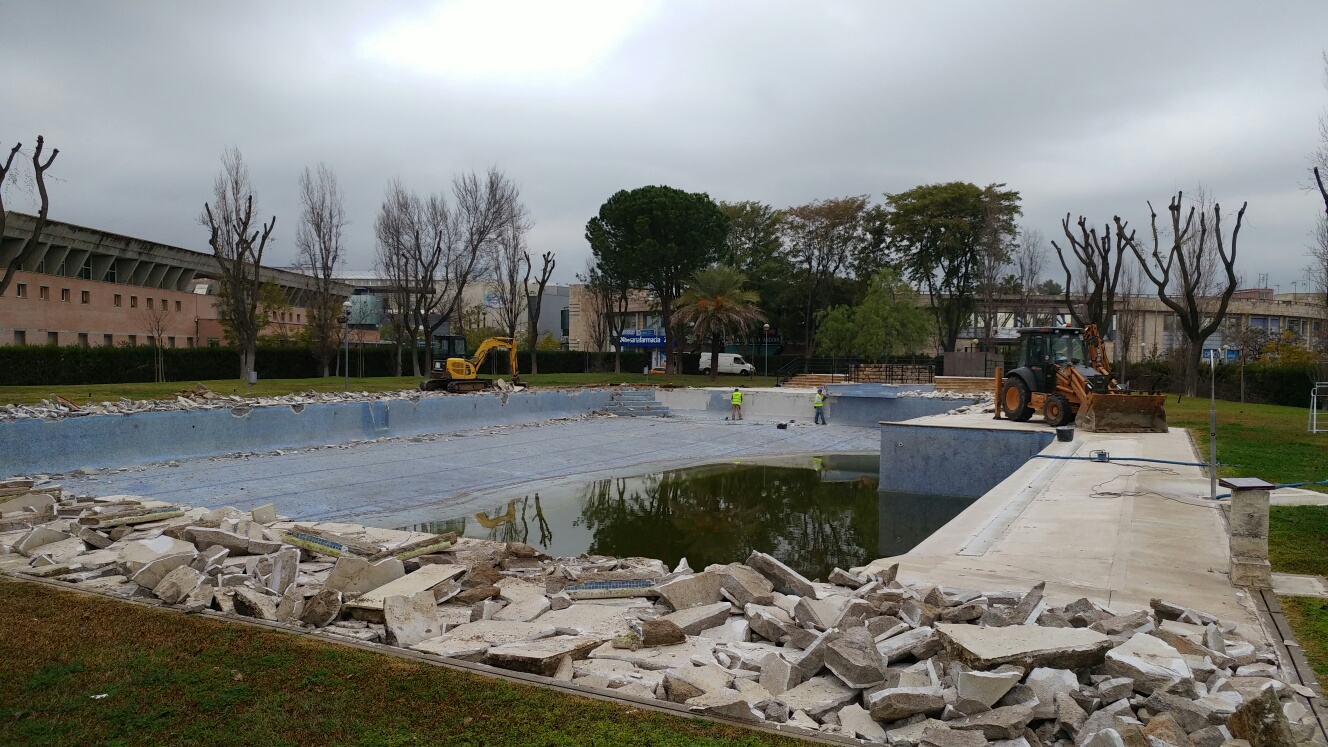 Inicio de las obras de reforma en la piscina del Club Social